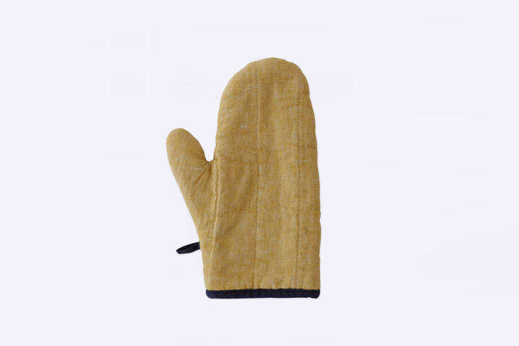 Moth A Trove of Japanese and Scandinavian Design in Chicago The \100 percent linenOven Mitt, also by Lino e Lina, is &#8\2\20;best for small to medium hands;&#8\2\2\1; \$4\2 each.
