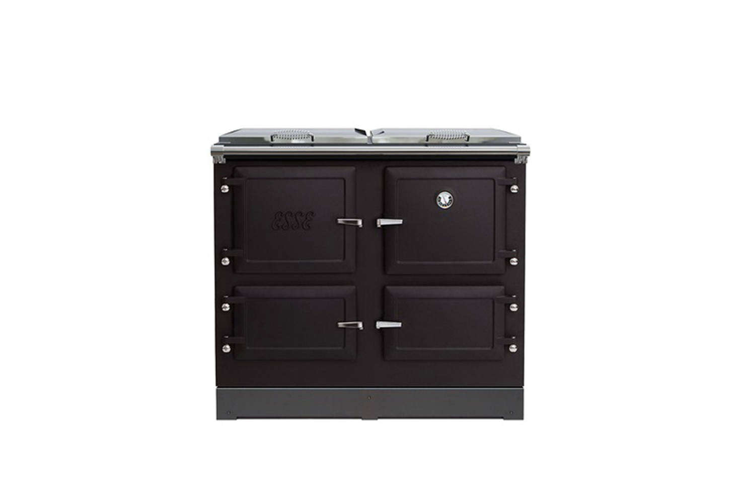 For a similar streamlined British-style range, the Esse 990 ELX Matt Black is available from Walter Dix & Co. For other options see our post Easy Pieces: Retro Kitchen Ranges.