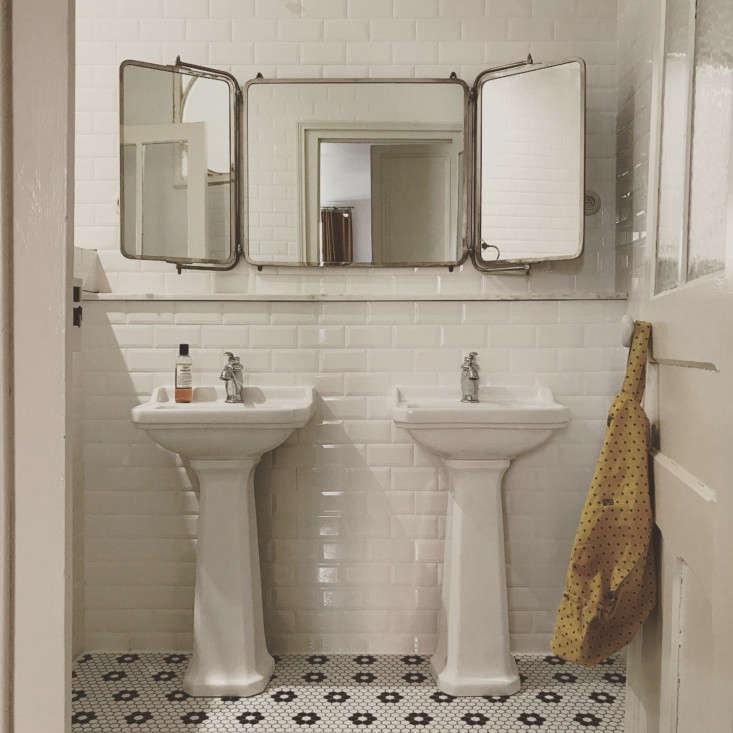 The master bath, with a tri-fold, 0-year-old barber&#8