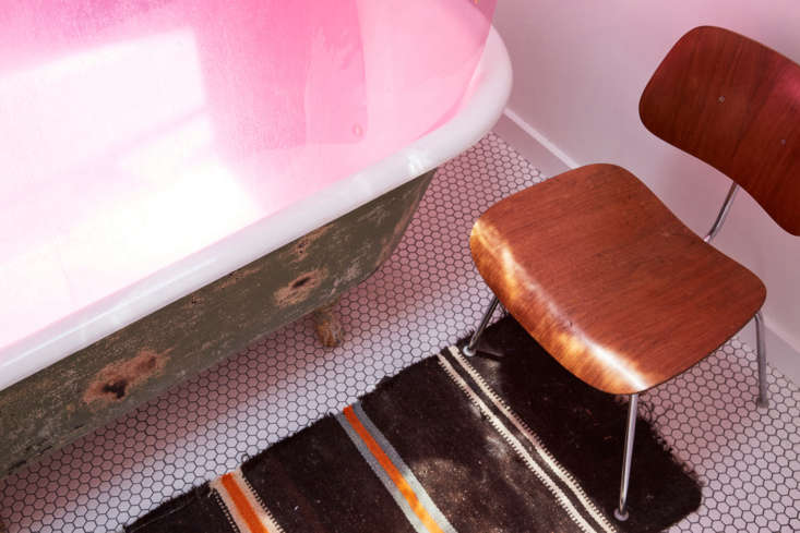 maya sanded the exterior of the tub—&#8\2\2\1;it was cream and green& 23