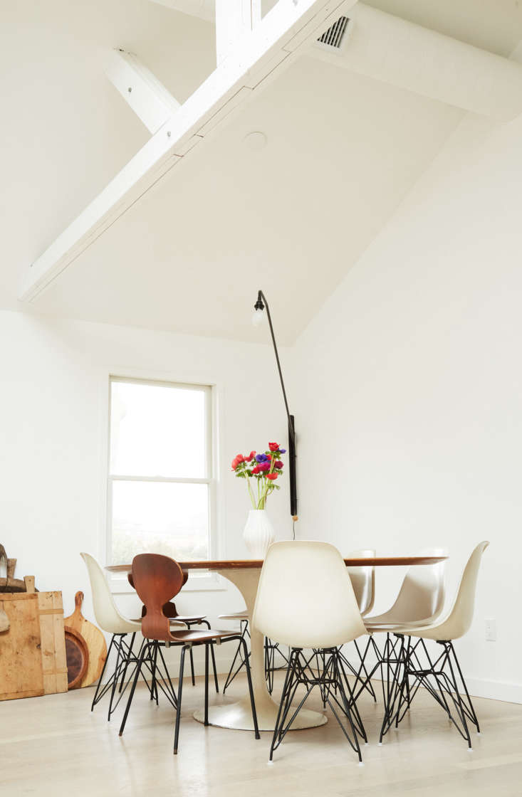 the family&#8\2\17;s vintage 8 foot saarinen tulip table is yet another cra 17