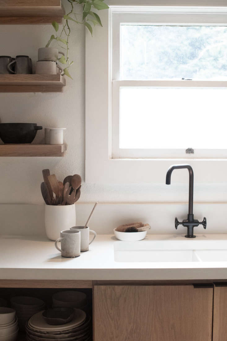 Portlandia Inside the Remodeled Farmhouse of a Cult Favorite Ceramicist Van Raden&#8\2\17;s own ceramics appear throughout the house, and oak cabinetry and shelves provide plenty of space for display. The couple opted for a sink by Fireclay paired with Ikea&#8\2\17;s Gamlesjön faucet.