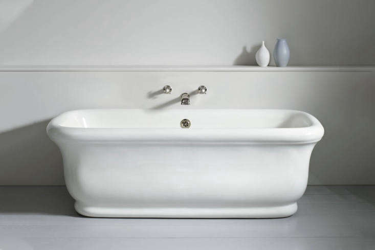 Steal This Look Ensuite Bath Alcove in a London Renovation A similar style tub is from The Water Monopoly: the Paris Bath Without Feet, a reproduction of an early \20th Century French fireclay bath made in England; £5,6\15 at The Water Monopoly.