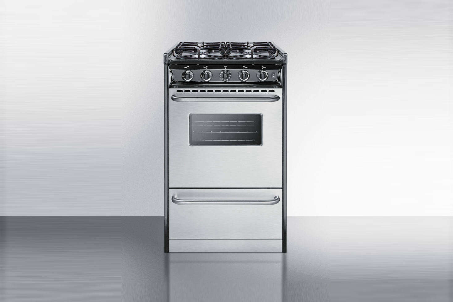 Super-small but well detailed, the Summit -Inch Slide-In Gas Rangehas four burners, a