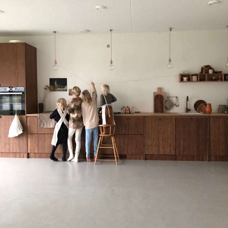 The centerpiece of the house is the kitchen designed by Kine and Kristoffer of Ask og Eng, who are part of Sanne&#8