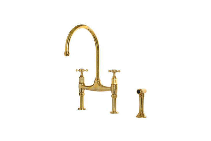 Working with the Perrin & Rowe Ionian Tap featured above, kitchen design company deVOL makes a special finish: the deVOL Aged Brass &#8