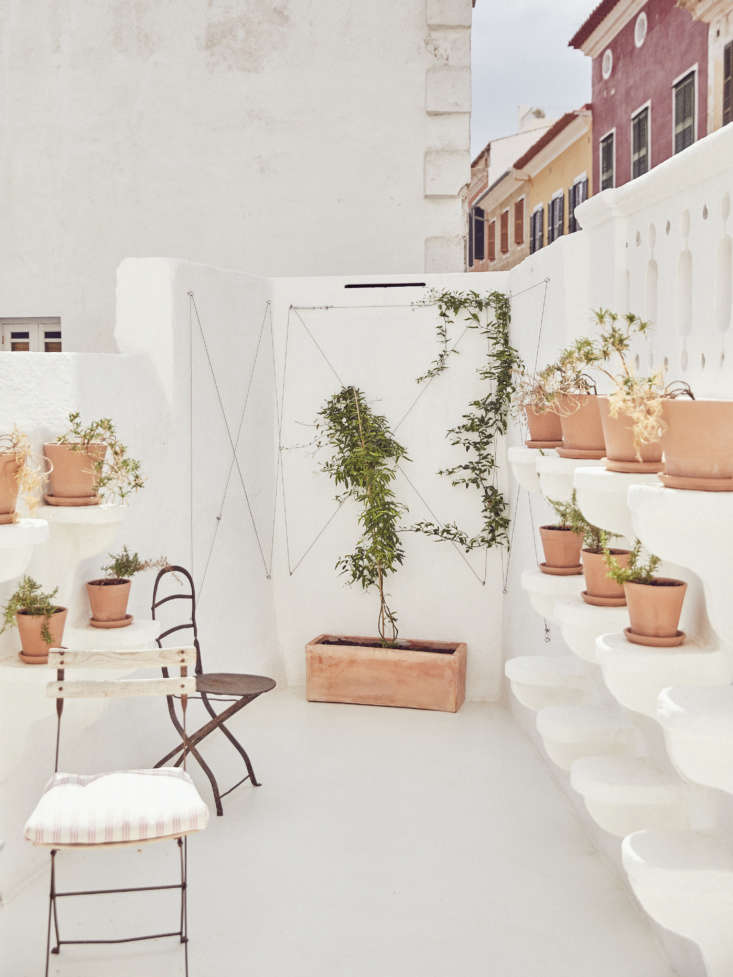 On the left, built-in platforms for potted plants are original to the building from the late th century.