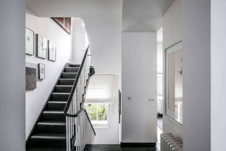 the original balustrade was painted black and white to reflect the home&#8\ 19