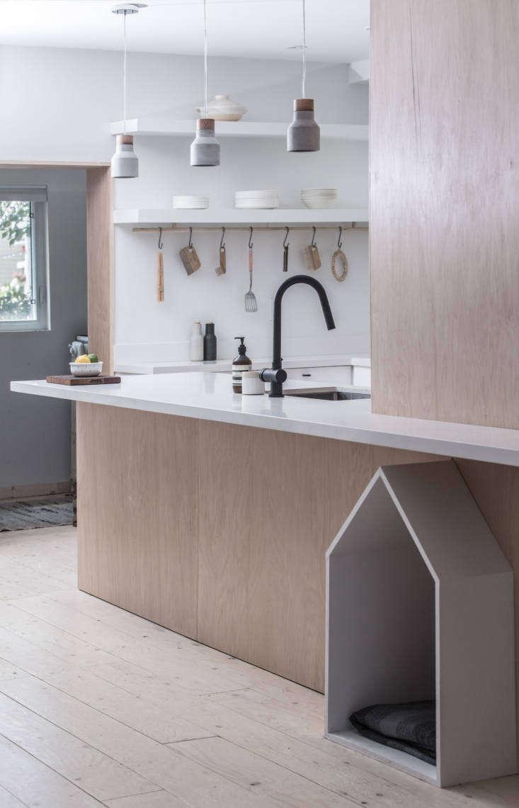 The matte black faucet is Vigo&#8