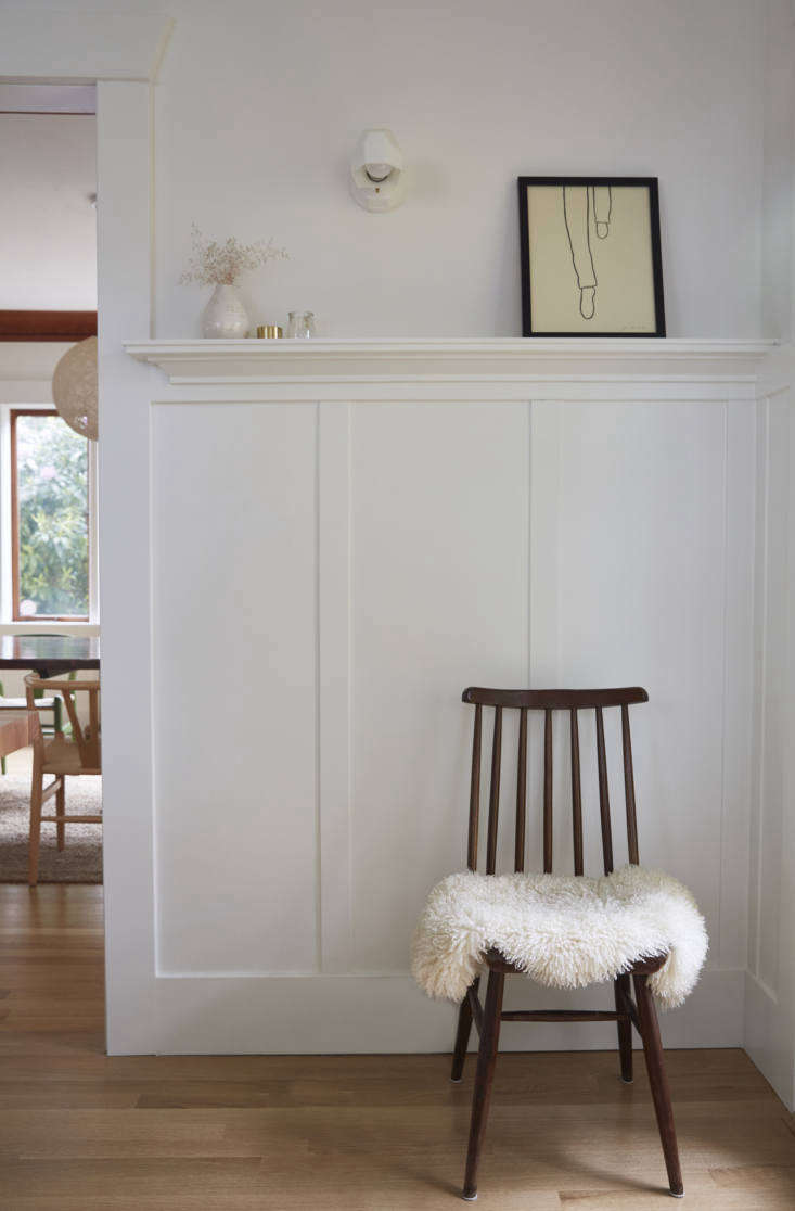 a quiet corner. the walls and millwork are painted benjamin moore&#8\2\17;s 17