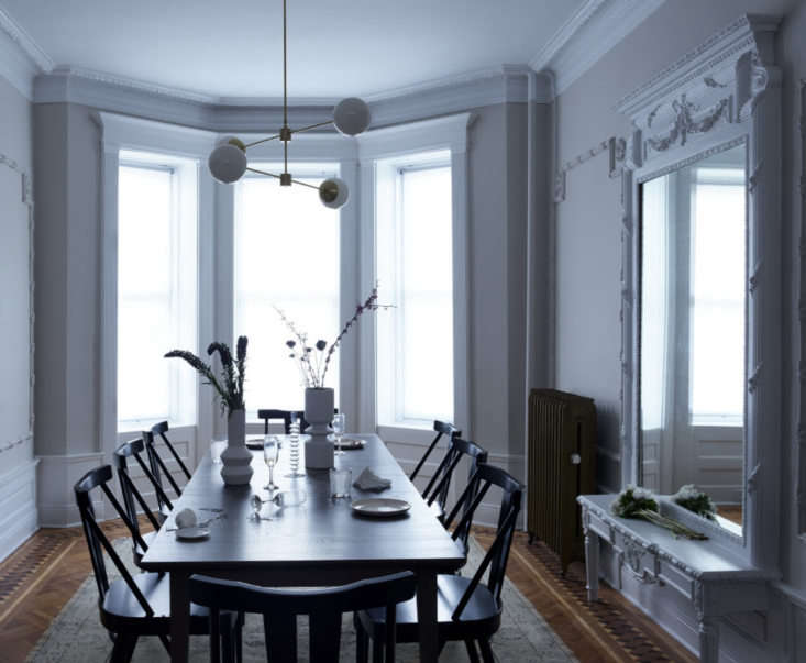 in the dining room, pale paint—benjamin moore&#8\2\17;s collingwood in a  11