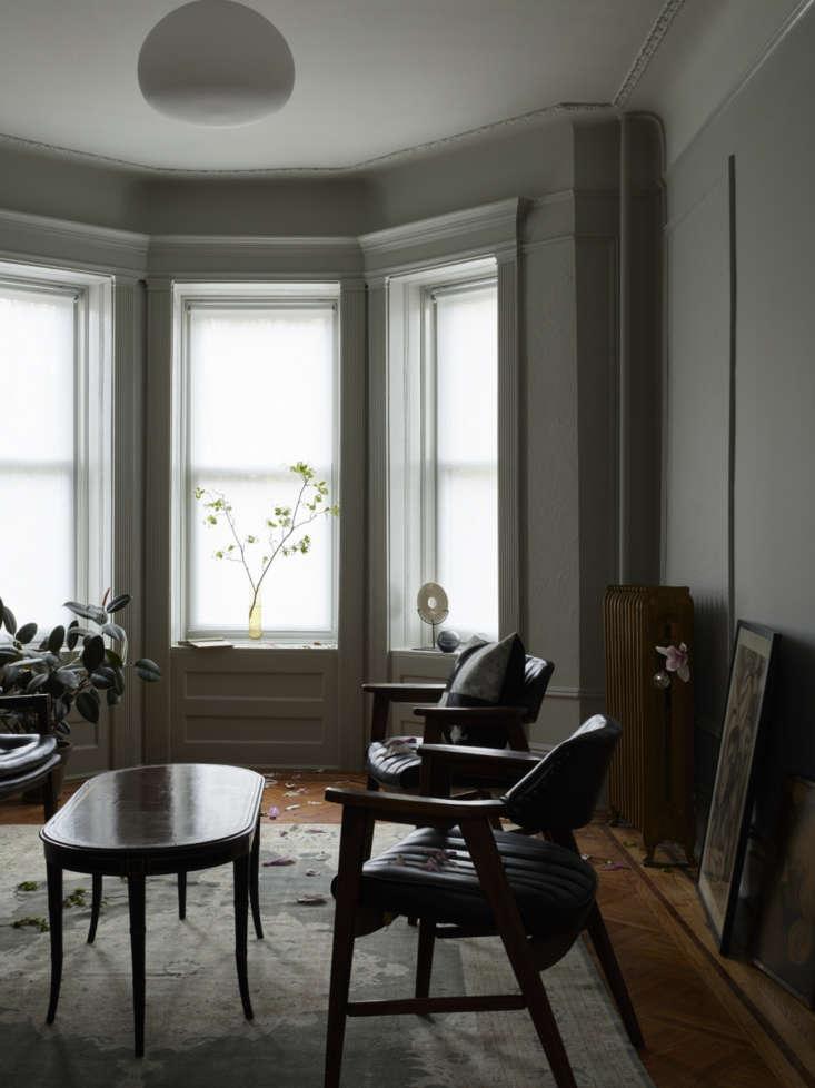 master bedroom in brooklyn brownstone by arthur's, photo by james john jetel 20