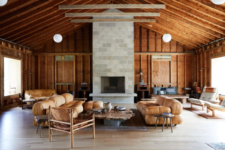 Architect Hank Scollard and interior designer Julie Pearson (of Spartan Shop) were responsible for giving the &#8