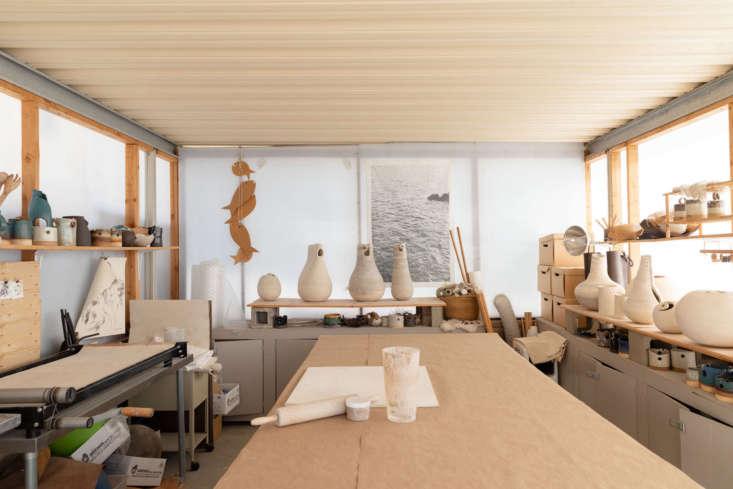 wilkinson turned the garage into her studio. 16