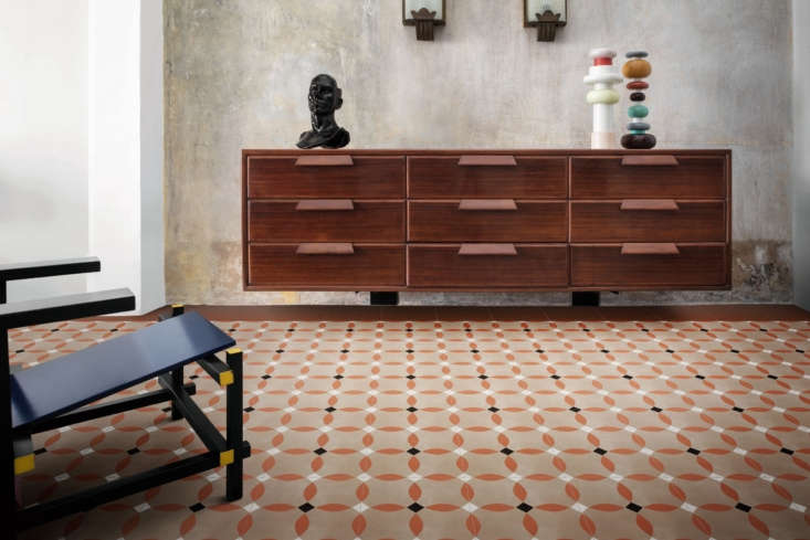 The D_Segni Colore tile by Marazzi is a cement-look tile in dusty terracotta hues.