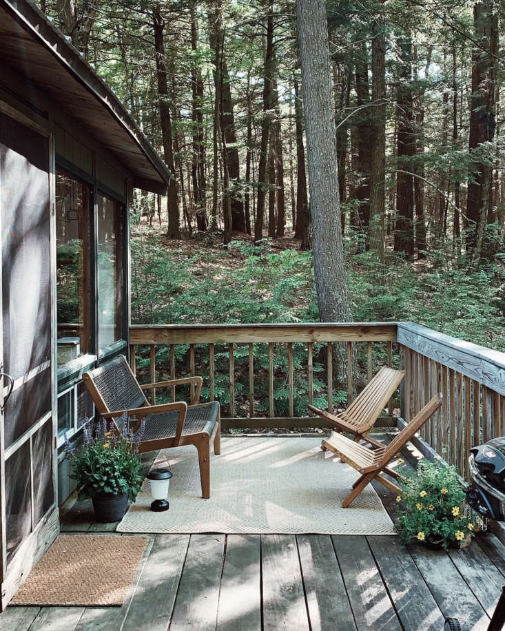 The deck is a quiet place for reading or relaxing. It also serves as a spot for outdoor showers, of sorts: &#8
