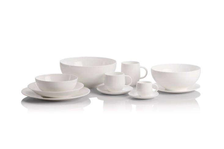abvoe: italian architect guido venturini designed the all time dinnerware for a 17