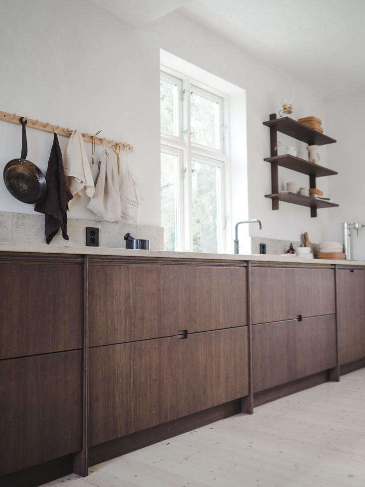 all of ask og eng&#8\2\17;s drawer and cabinet fronts are made of bamboo th 15