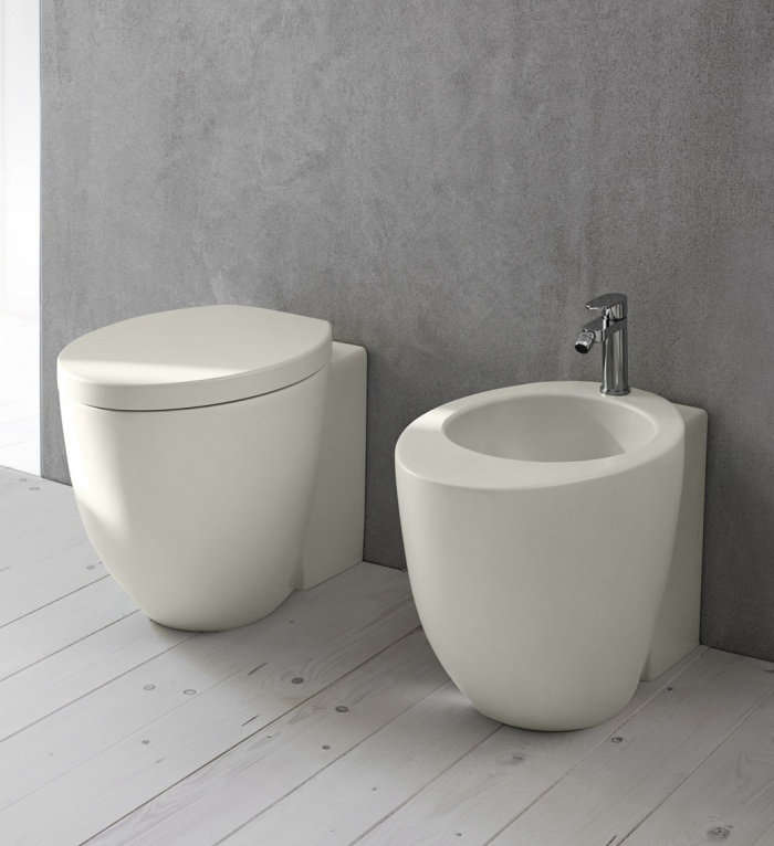 Designed by Italian architect Claudio Silvestrin, the Le Giare Wall-Hung WC is available at Ceramica Ciela.