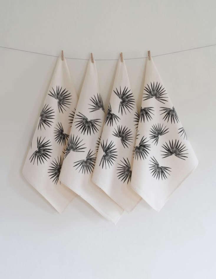 fan palm organic cloth napkins by hearth and harrow 16