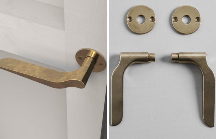 stahl and band door handle