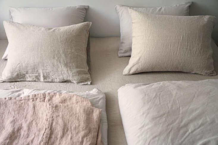 area home&#8\2\17;s simone fitted sheet and simone pillowcases ofpre wa 10