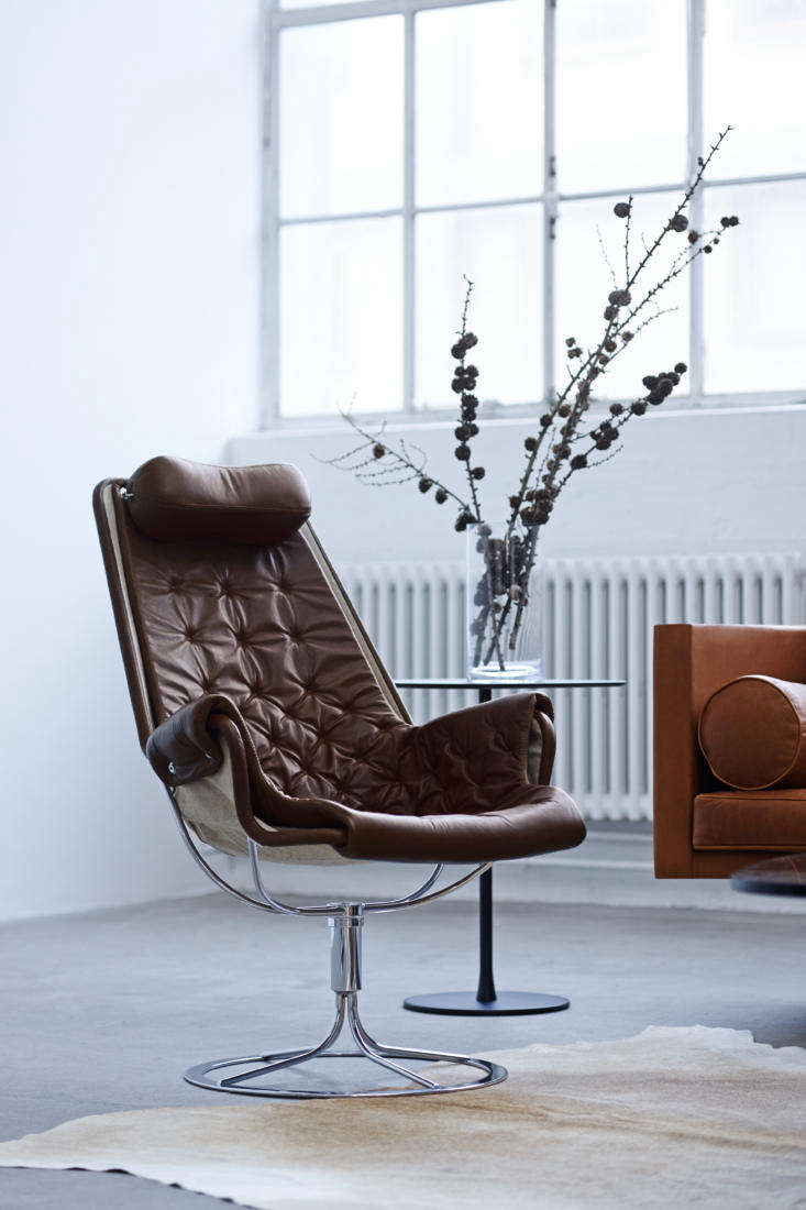 an iconic jetson chair. it&#8\2\17;s now available for pre order in four st 10