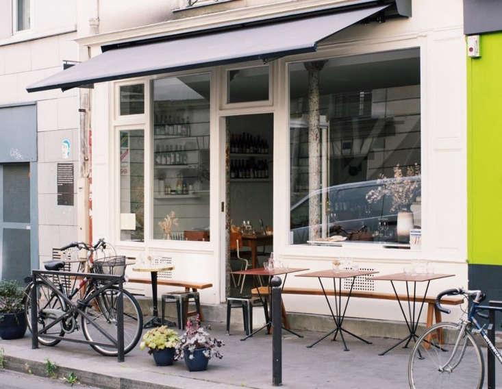 The shop and wine bar, in Paris&#8
