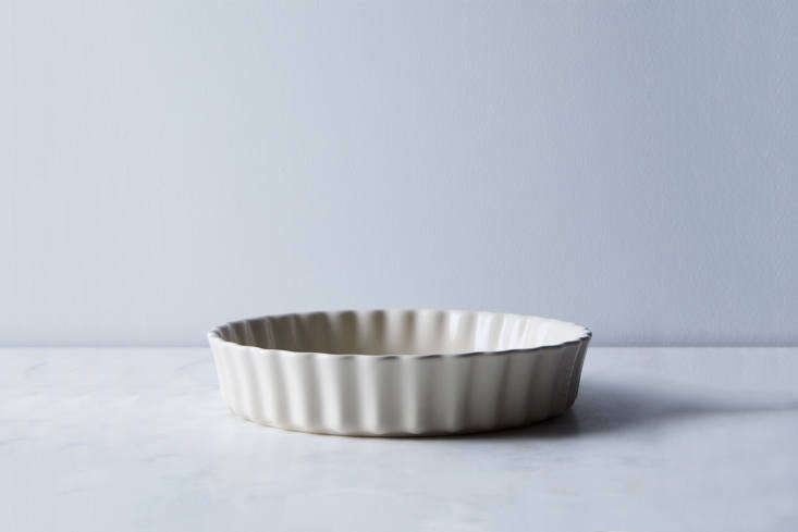 another style from emile henry, this time for tarts: the ceramic round tart dis 18
