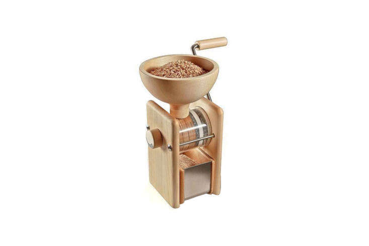 the komo hand grinder manual grain mill has a transparent milling chamber for w 21
