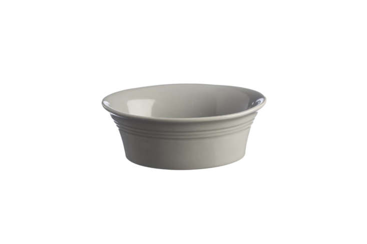 the mason cash classic kitchen grey oval pie dish is a small dish for making sm 9