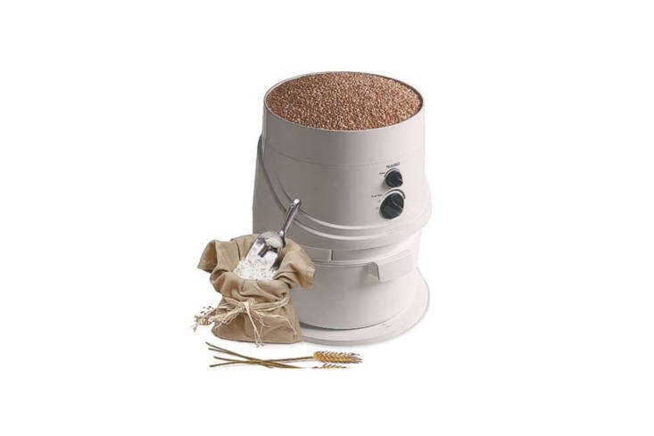 the electric nutri mill classic is designed for high speed milling by way of st 15