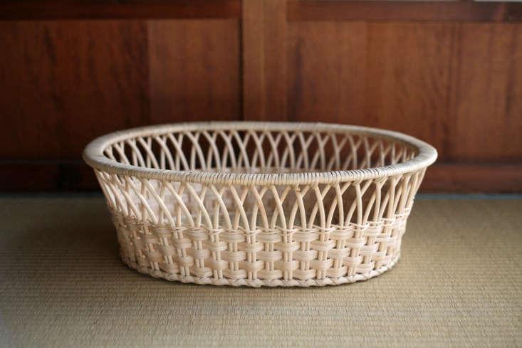 the tsuruya shoten rattan clothes basket ellipse is ¥\1\2,000 from shokunin. n 11