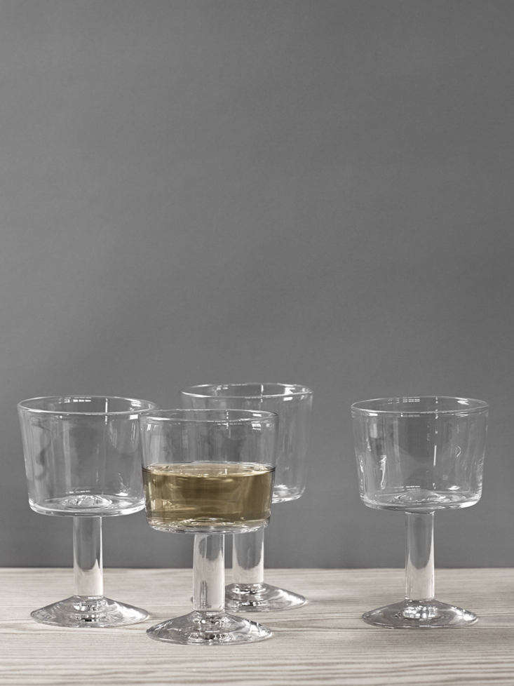 The Balja Wineglasses are available from Swedish Crystal.