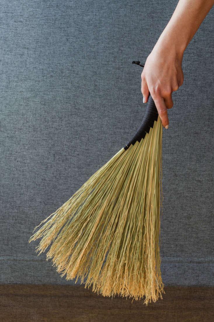custodian wing handbroom natural
