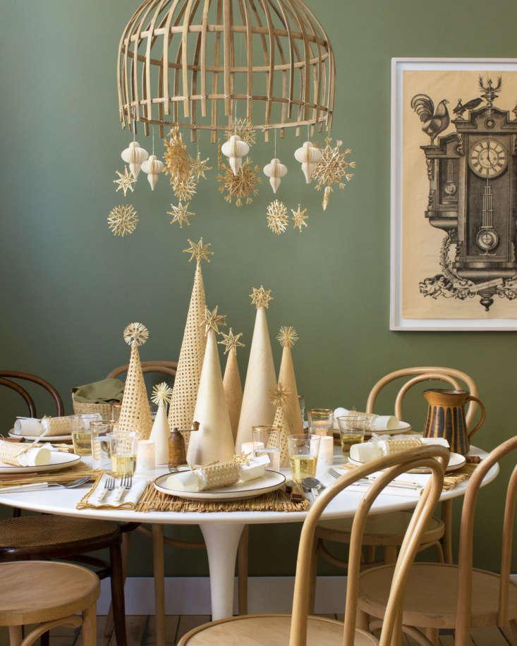 Despite a neutral palette, this winter wonderland tablescape sparkles.