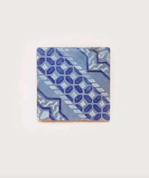 il buco salvaged tile trivet 1