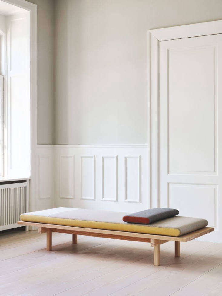 HighLow A Trio of ScandinavianStyle Modern Daybeds portrait 3_20