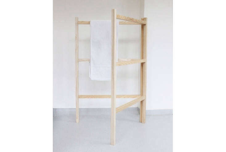 For a similar look, try a wooden clothes drying rack (we&#8