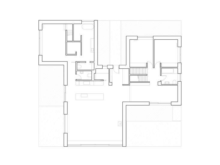 The floor plan details the three wings: the living quarters in the center, the master wing behind it, and the kids&#8
