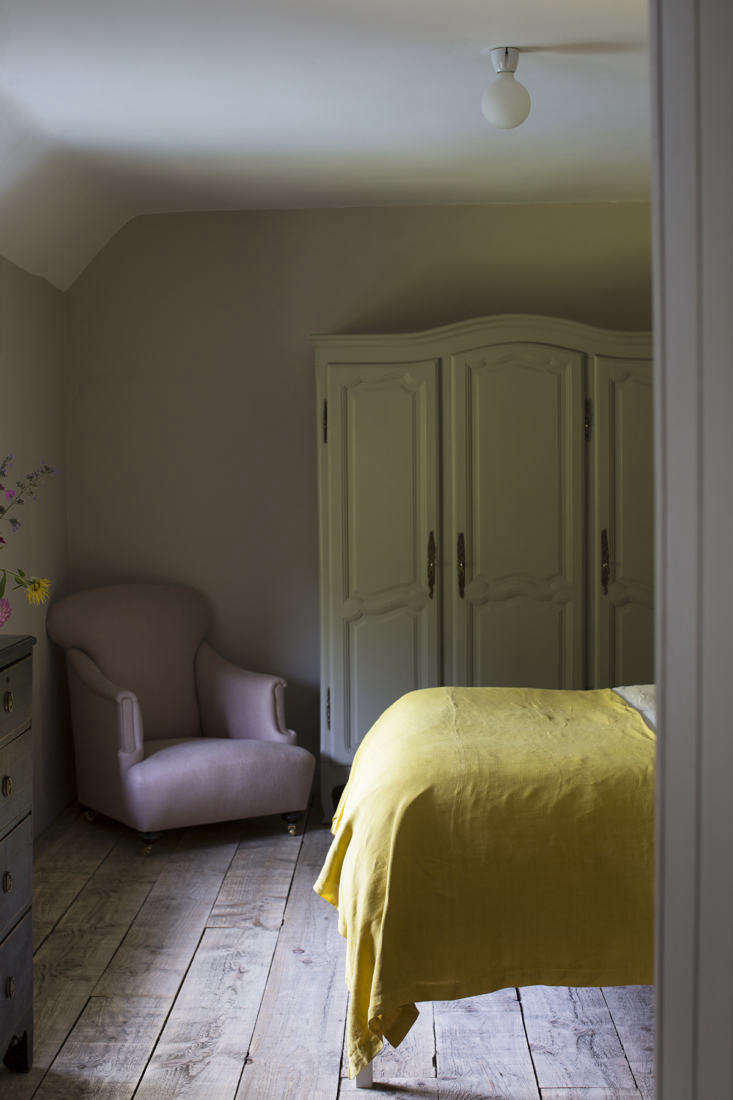cassandra ellis east sussex barn yellow bedroom 2 cassandra ellis