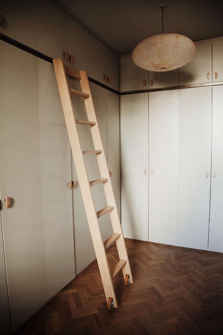 The closet is also by Garde Hvalsøe.