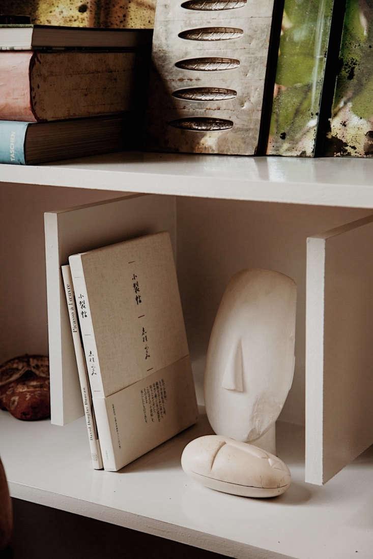 susanne rutzou apartment shelves