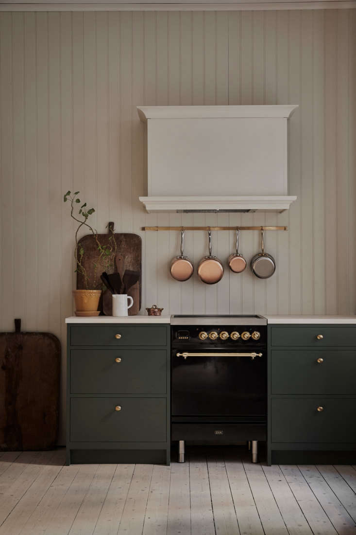 The kitchen is equipped with an Ilve Nostalgie Induction Stove.