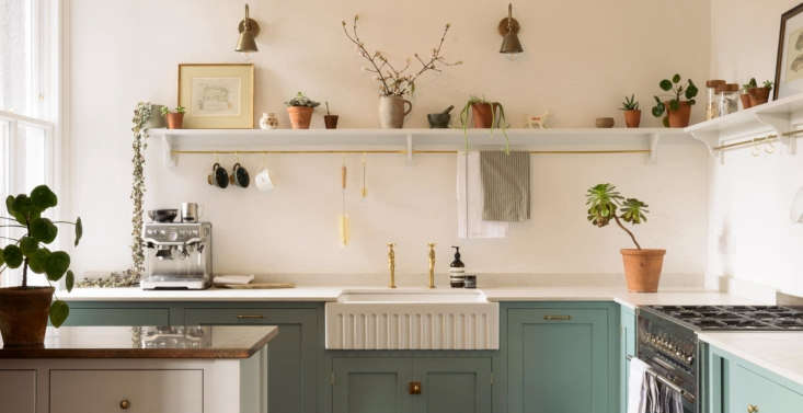 UK kitchen design company deVol offers this classic ceramic Fluted Sink made in England by Shaws of Darwen. Also available from deVol: a Fluted Tuscan Farmhouse Double Sink of Carrara marble.