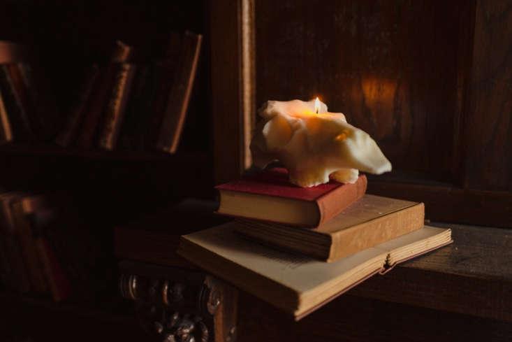 evangaline linens candle