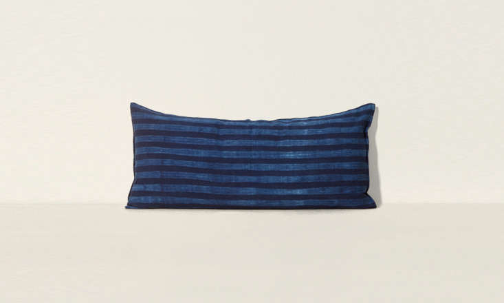 an oversized cushion for the sofa or bed: tensira's long cushion in kapok wit 16