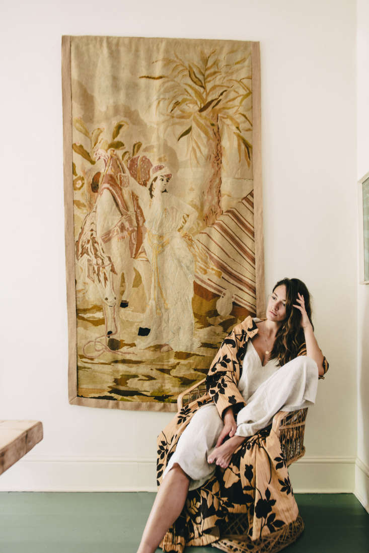 The Feminine Mystique Model Lizzie Bowdens Notting Hill Apartment Lizzie, in front of a tapestry from London&#8\2\17;s Lillie Road. &#8\2\20;The green lends itself so well to the green of Ladbroke Gardens just outside the window,&#8\2\2\1; she says of the dominant color in her home.
