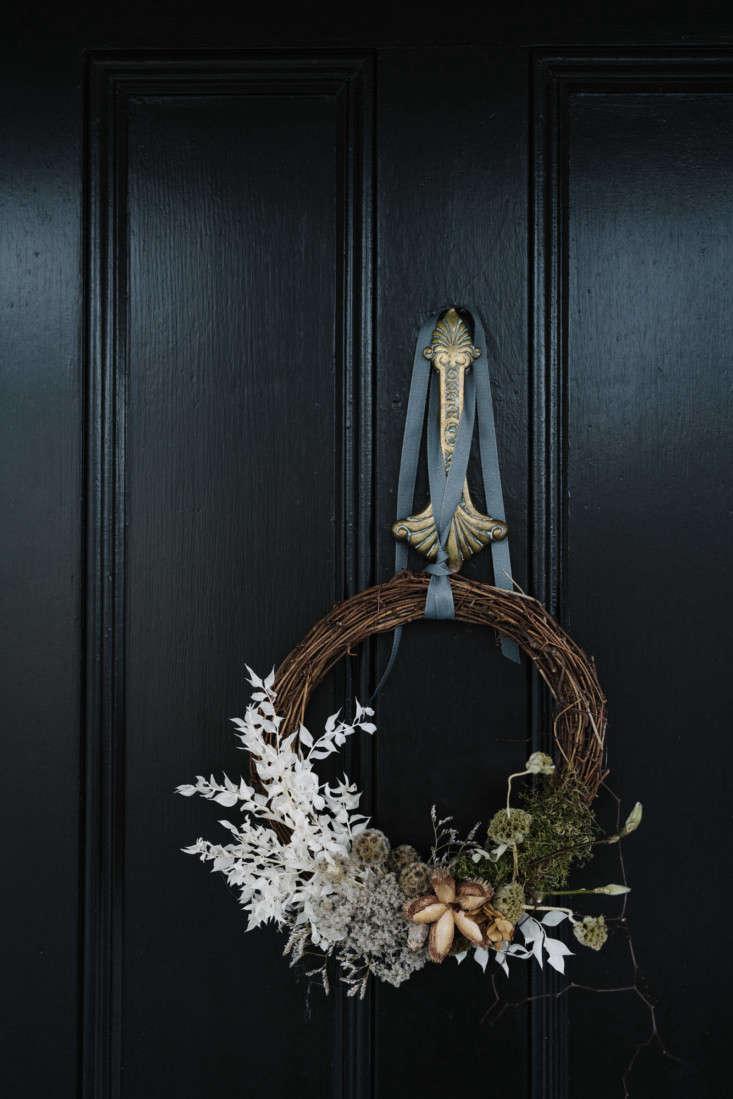 Wreath at Lumiere Lodge, Photo by Marnie Hawson