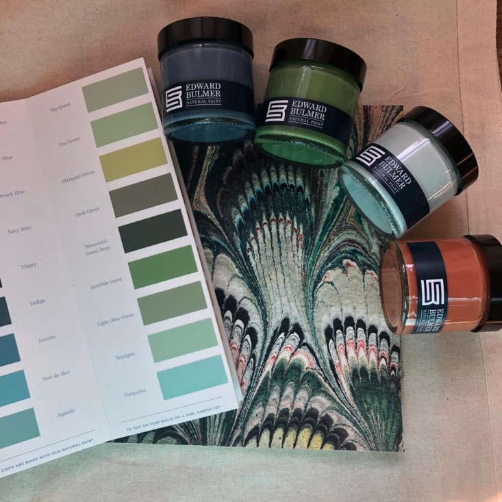Color cards and sample pots are available.